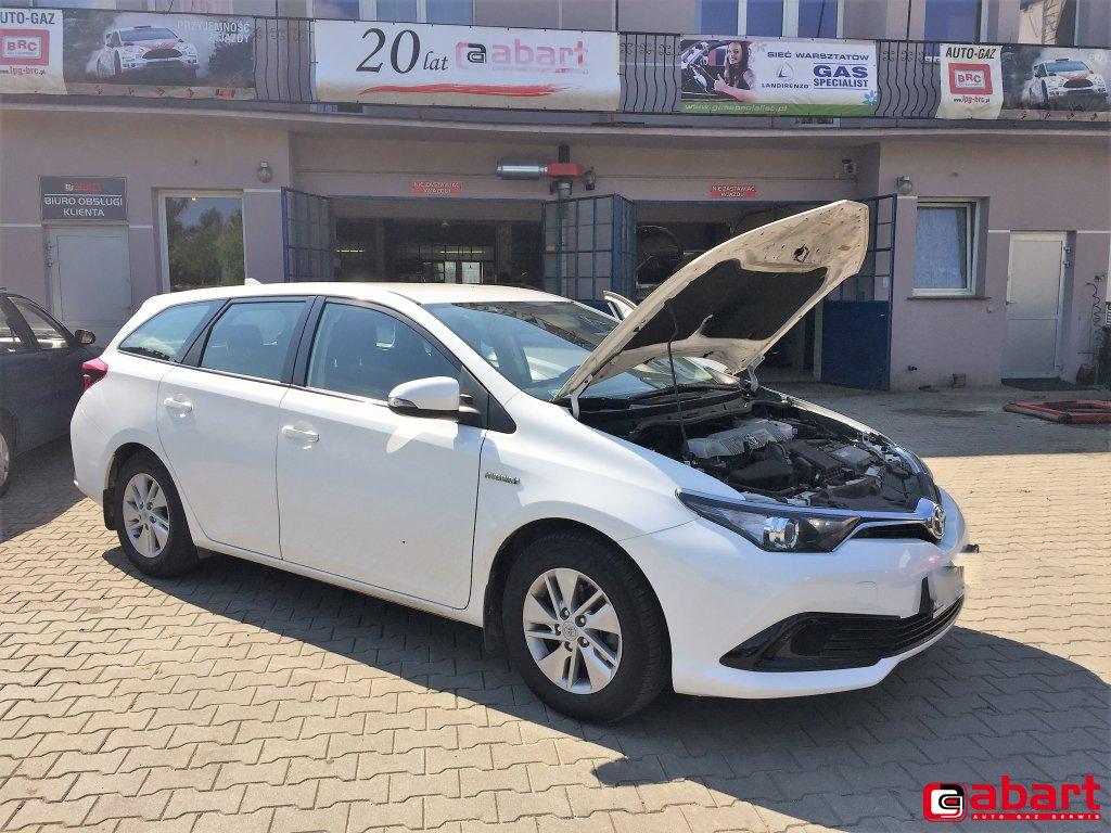 Auris Touring Hybrid 1,8