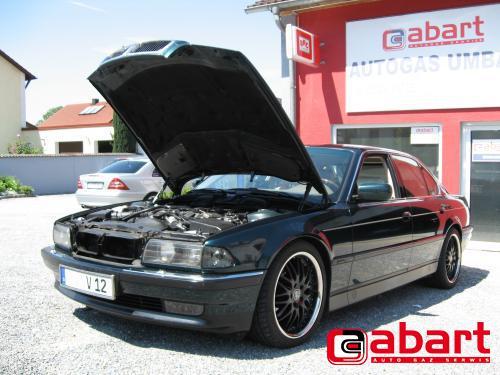 BMW 750i-V12-E38