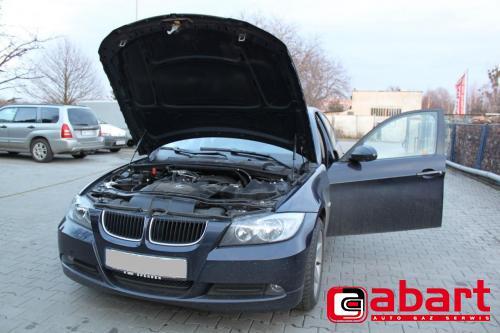 BMW 318i-E90