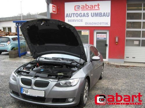 BMW 330i-Coupe-E92