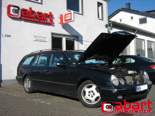 Mercedes-Benz E-280-T-W210k